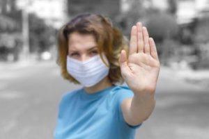Gak cuma orang tua, yang muda pun beresiko terjangkit virus Corona hingga menyebabkan kematian