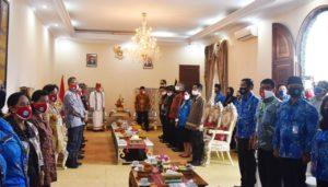 Bersama Forkopimda dan Kepala OPD Terkait, BNNK Tana Toraja Ikuti Peringatan HANI 2020 Secara Virtual di Rujab Bupati Tana Toraja
